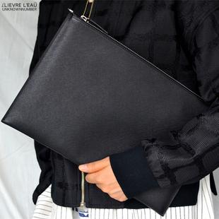 手抓信封包十字纹牛皮手拿包男包商务休闲包真皮女士时尚A4文件包图片