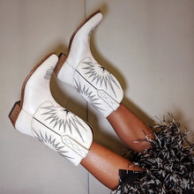 真皮西部牛仔靴女2021秋冬新款刺ww14中筒靴ou粗跟骑士短靴