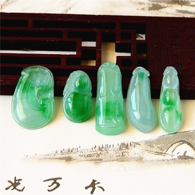 缅甸翡翠金枝玉叶子 玉佛 如意葫芦福豆吊坠阳绿款挂件