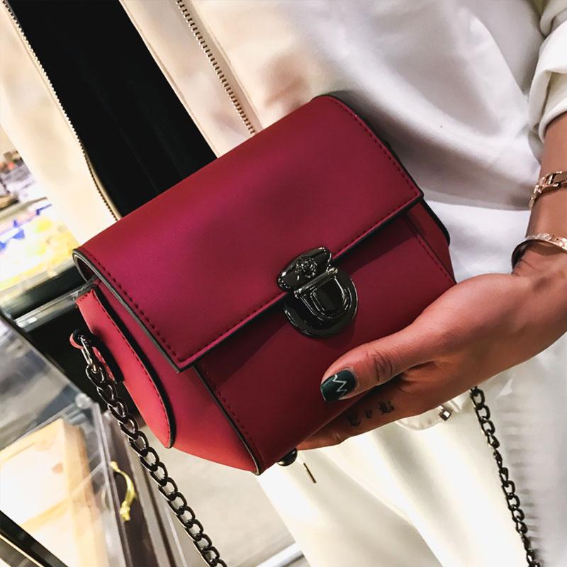 女包包2017新款时尚锁扣单肩包简约迷你链条小方包复古斜挎包小包