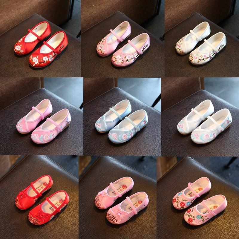 老北京儿童布鞋2018春女童绣花鞋民族风学生公主鞋表演出鞋舞蹈鞋