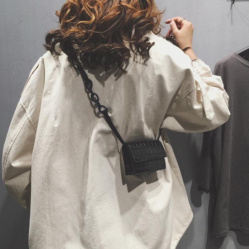 法国小众小包包女2019新款洋气迷你网红小黑包质感百搭单肩斜挎包