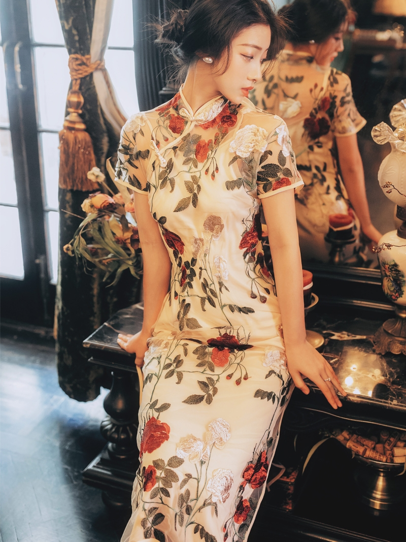 新式改良版旗袍2019夏款复古刺绣玫瑰花年轻款少女中国风连衣裙女
