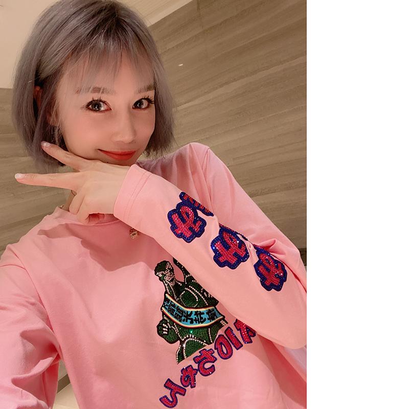 **姐澳门全球购taio满钻观光特使哥斯拉粉色长袖宽松大T恤