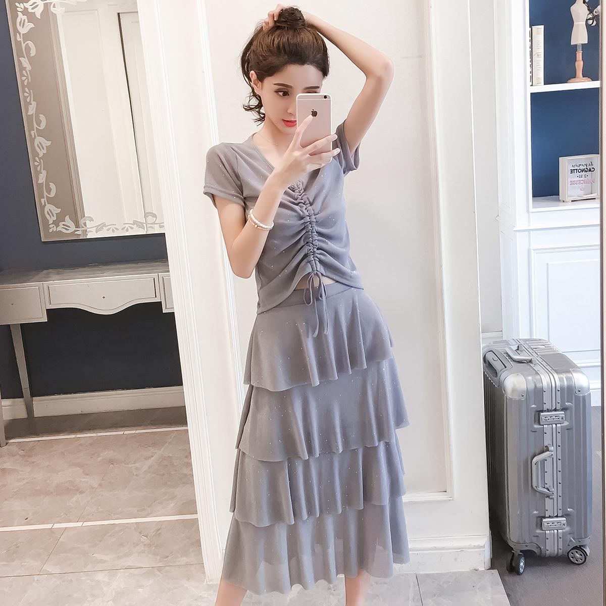 6145视频实拍网红现货显廋夏季时尚抽绳收腰上衣+蛋糕裙时尚套装 -