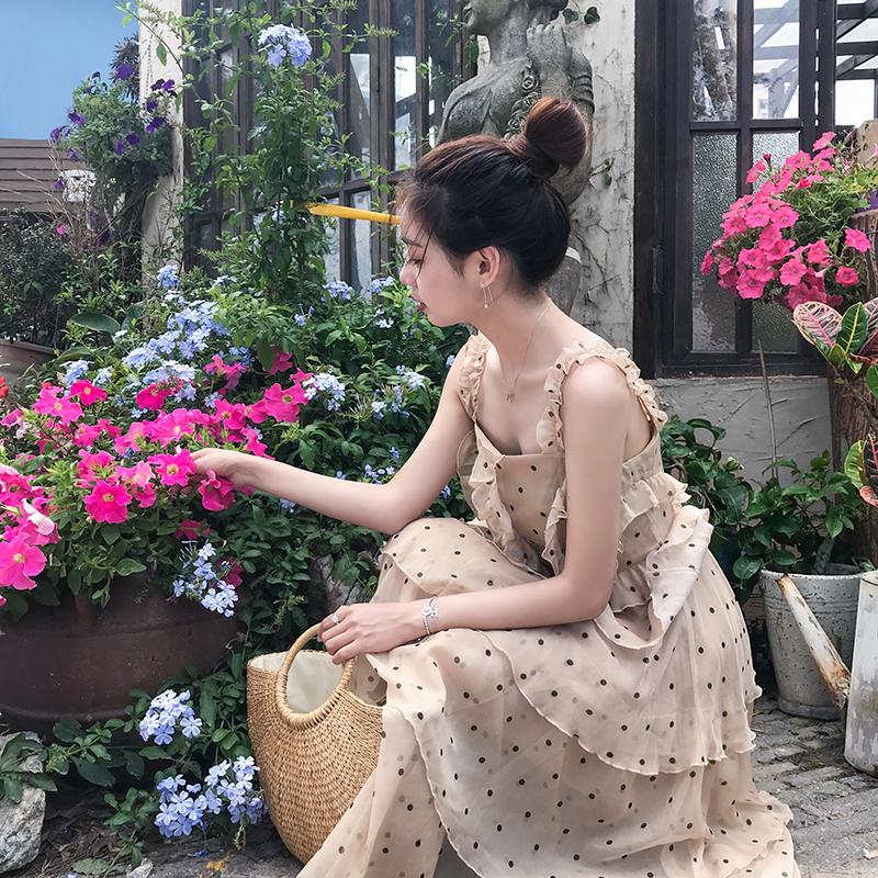 连衣裙女夏2018新款波点荷叶边吊带褶皱奶油裙雪纺蛋糕裙 佳佳