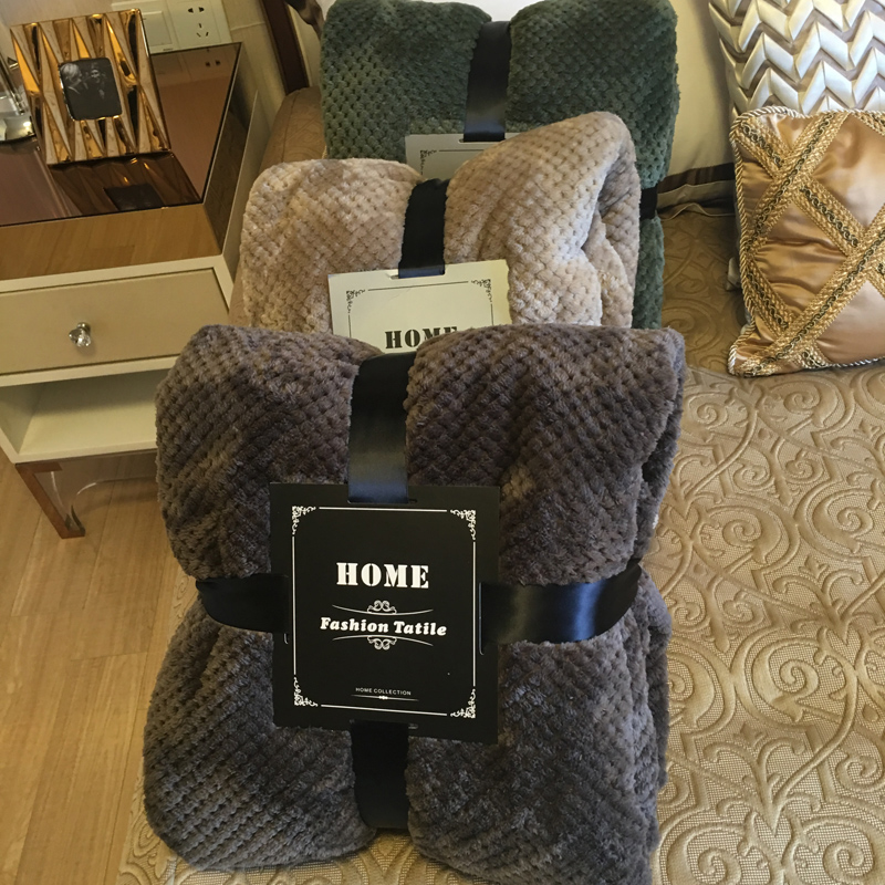 春夏季儿童小毛毯纯色珊瑚贝贝绒办公室午休午睡毯休闲空调盖毯子