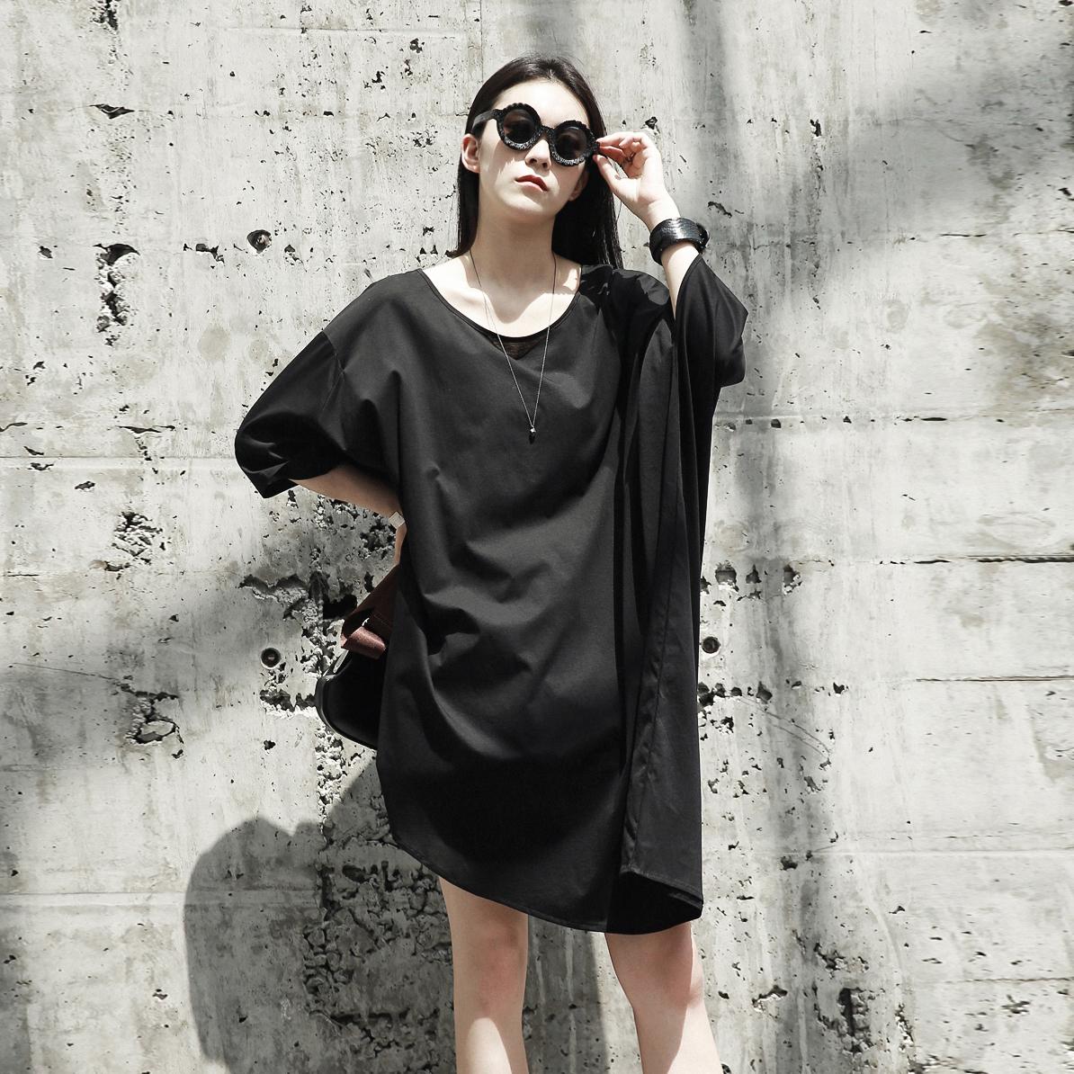 SIMPLE BLACK 暗黑风不规则宽松版蝙蝠袖造型中长款套头连衣裙