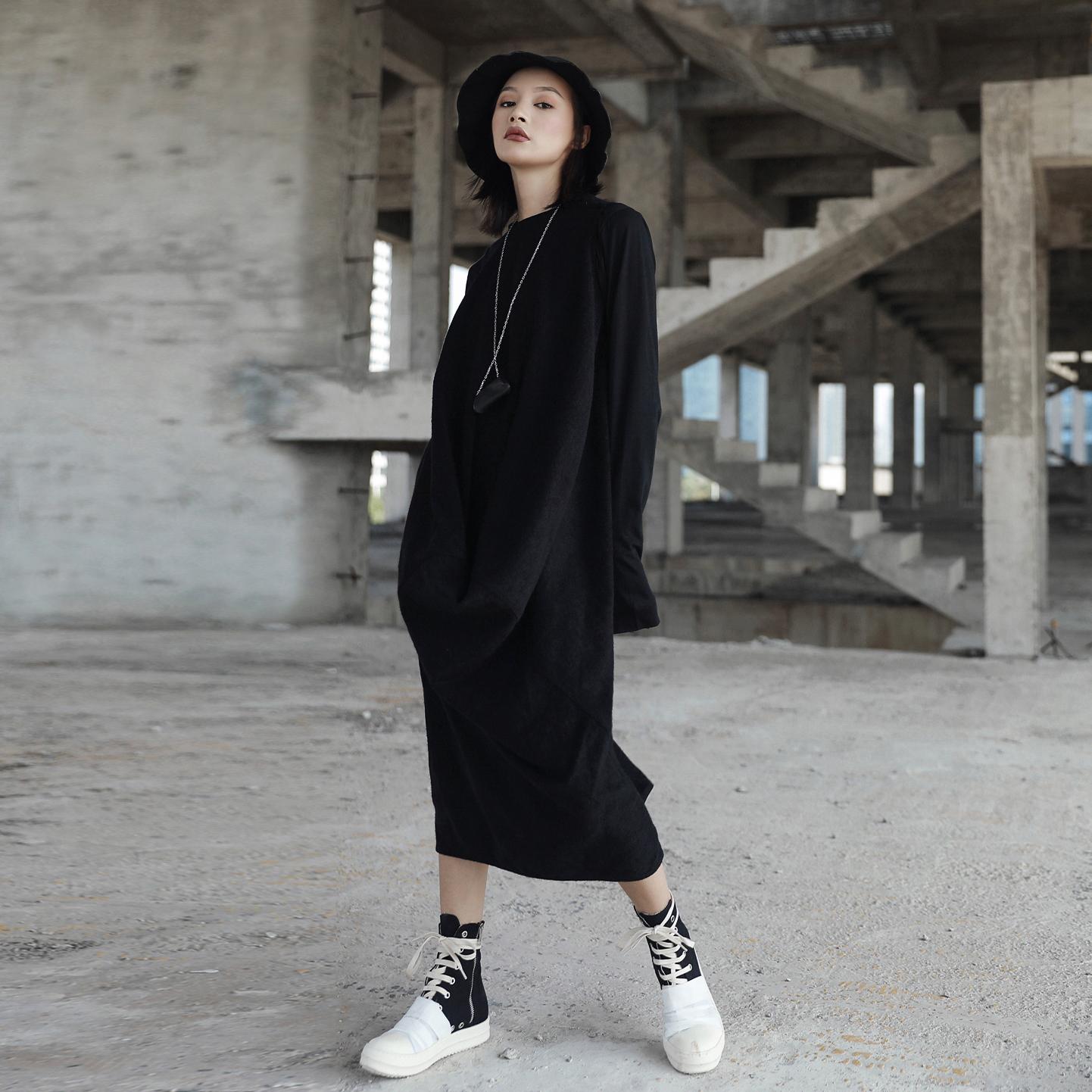 SIMPLE BLACK 秋冬暗黑RO风格无袖针织羊毛不规则中长款连衣裙女
