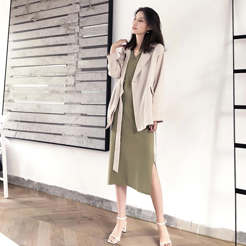 很仙的法国小众连衣裙女夏高端气质雪纺绿色V领复古小清新打底裙