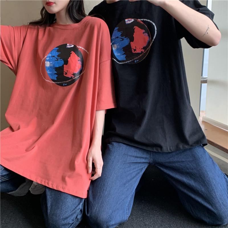 实拍实价~韩版宽松百搭中长款情侣印花星球圆领短袖T恤-多多服饰-