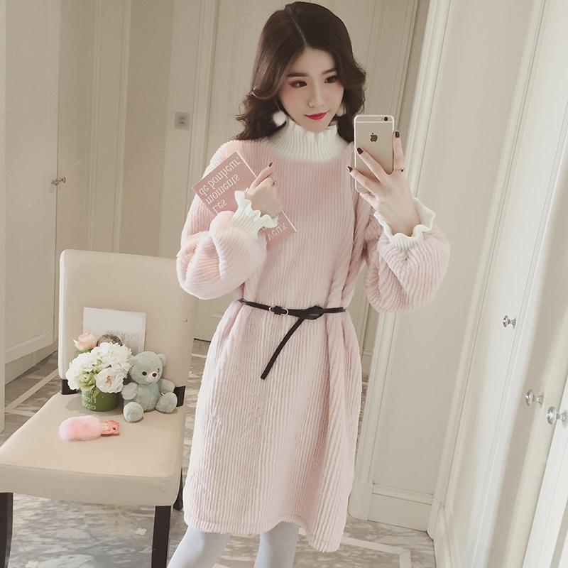 梦梦家女装冬季粉色加厚半高领灯笼袖连衣裙中长款加绒收腰卫衣裙