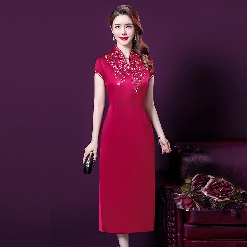 点击查看商品:妈妈装夏装真丝连衣裙中长款中老年婚宴礼服中年旗袍改良女装红色