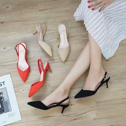 春夏季新款3cm矮跟尖头猫跟鞋一字扣带低跟红色女单鞋V字细跟女鞋