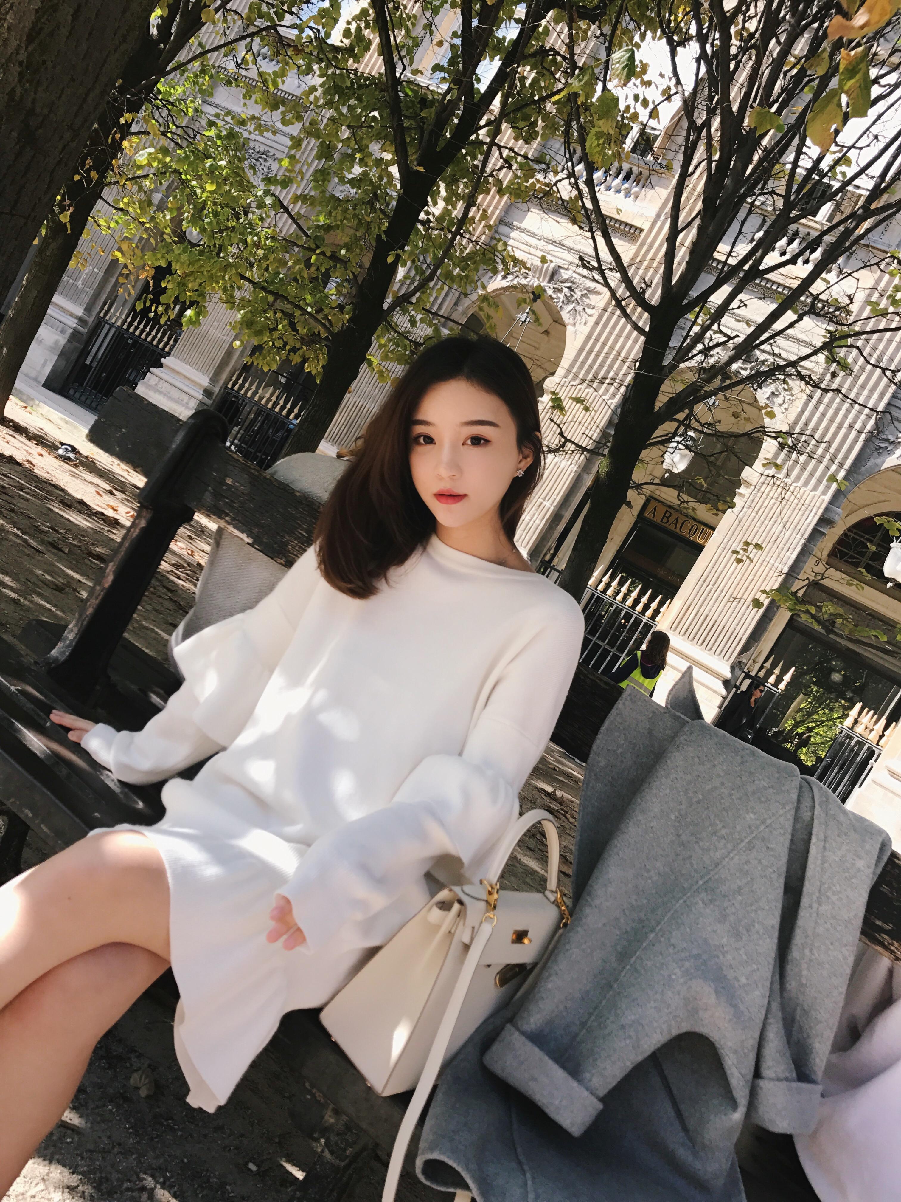 钱夫人CHINSTUDIO 冬季新款木耳边针织连衣裙女学生宽松毛衣裙潮