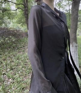 I50902夏季新款衬衫暗黑风拼接面料宽松设计感长袖喇叭袖防晒外套