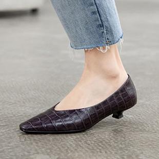 2020春季新款女鞋全真皮时尚百搭石头纹通勤猫跟鞋复古方头单鞋
