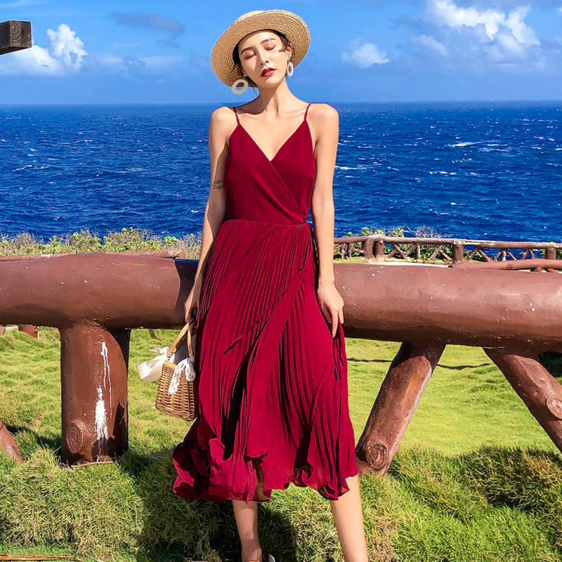 巴厘岛沙滩裙女海边度假裙红色吊带连衣裙超仙泰国普吉岛渡假长裙