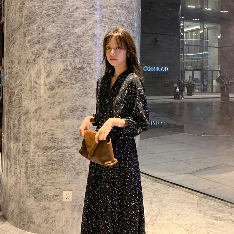 黑色长袖V领波点中长款法式碎花复古显瘦连衣裙女2020年春季新款
