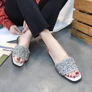 露趾亮片学生一字拖鞋女2018夏季新款韩版百搭海边平底沙滩凉拖鞋