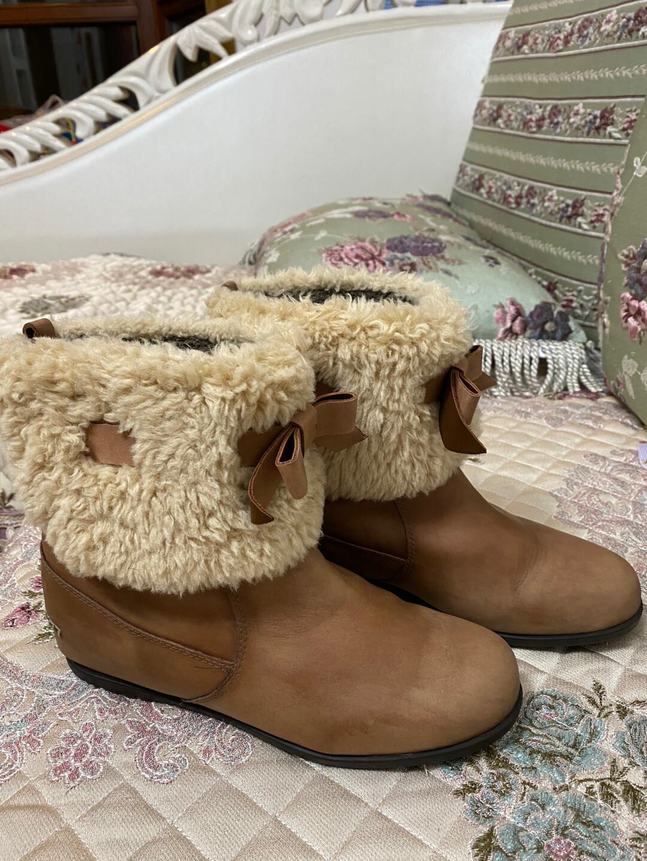 发布几双冬款鞋,第一双百丽,短靴,绒里,38码,45元。第二