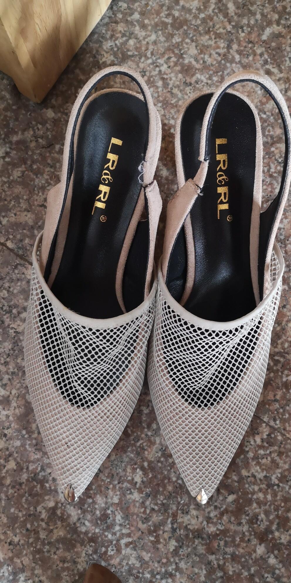 全新LR&RL金属尖头细跟女凉鞋,百搭透气网面,商场购入,清