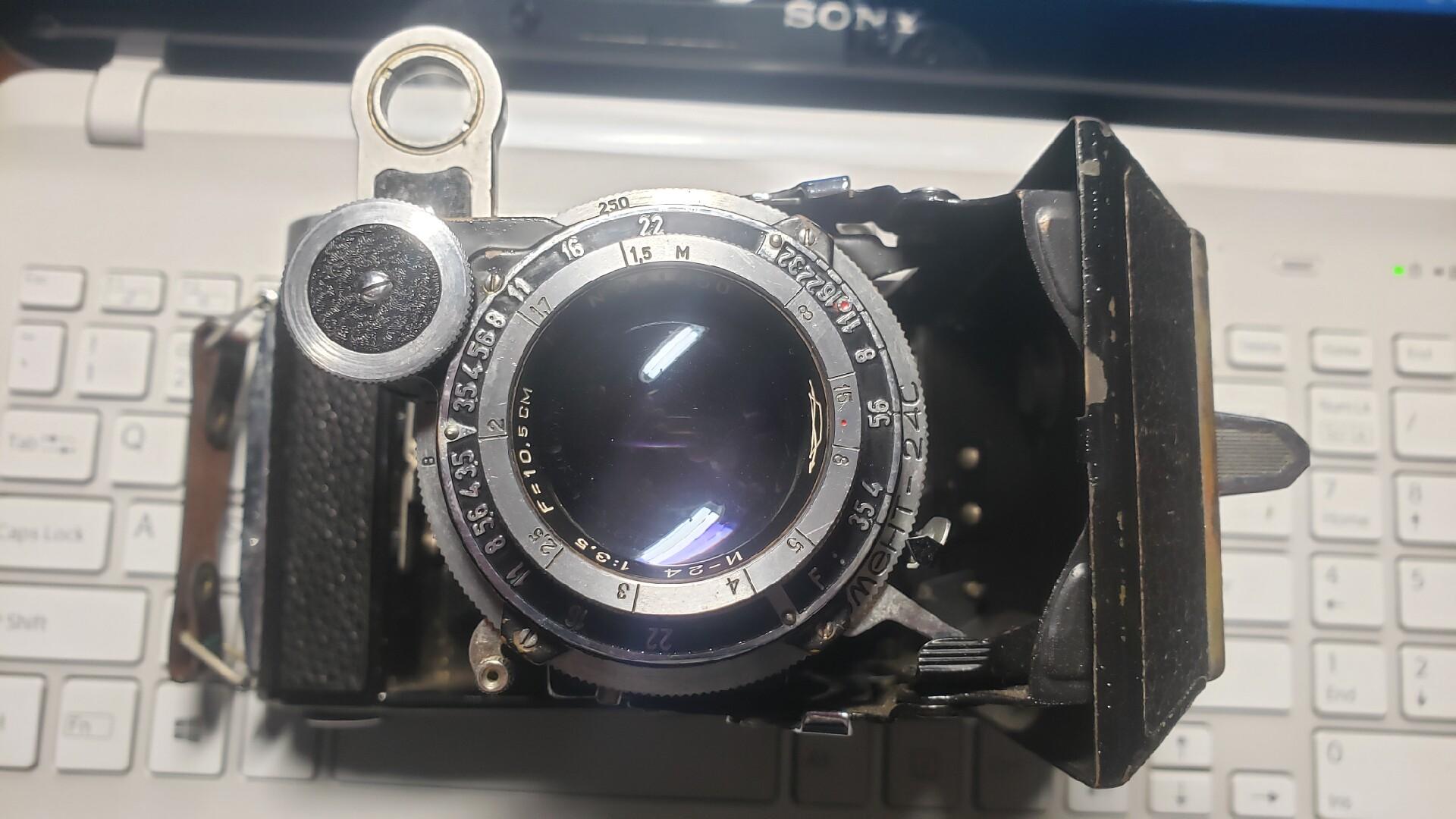 苏联莫斯科5胶片照相机,俗称大8张,一卷120胶片可以拍8张