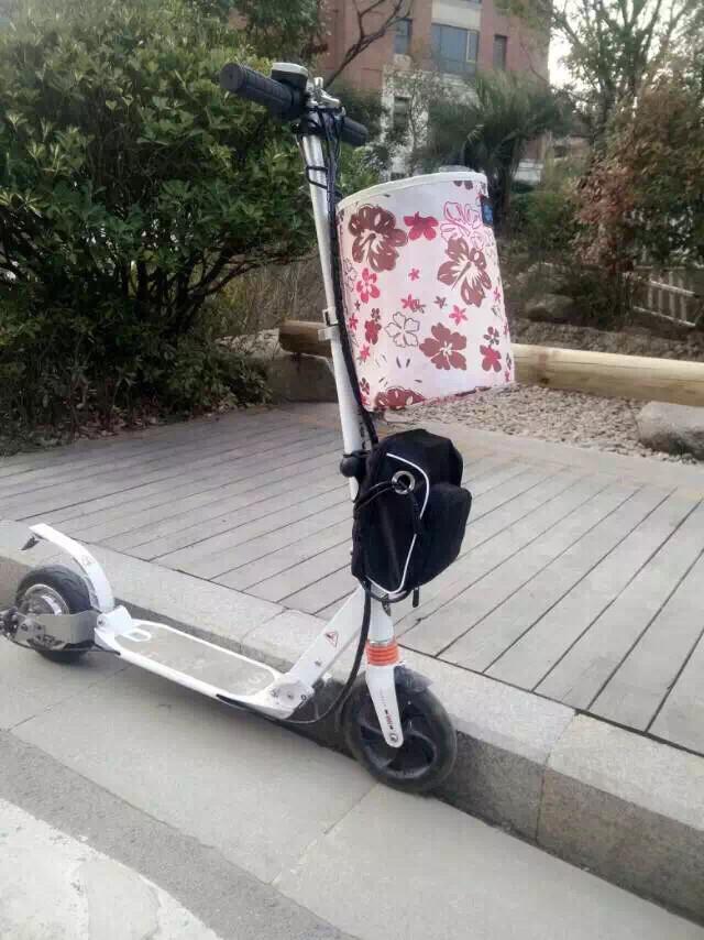 电动滑板车小型电动车便携双轮踏板车成人锂电池代步车