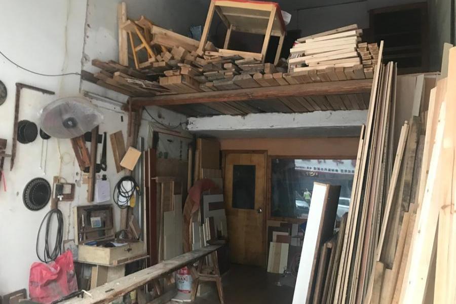 赣州经济技术开发区金星新村小吃街39号房产