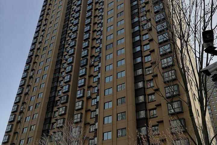 汉中市汉台区民主街明珠南苑二期25幢1单元402室房产