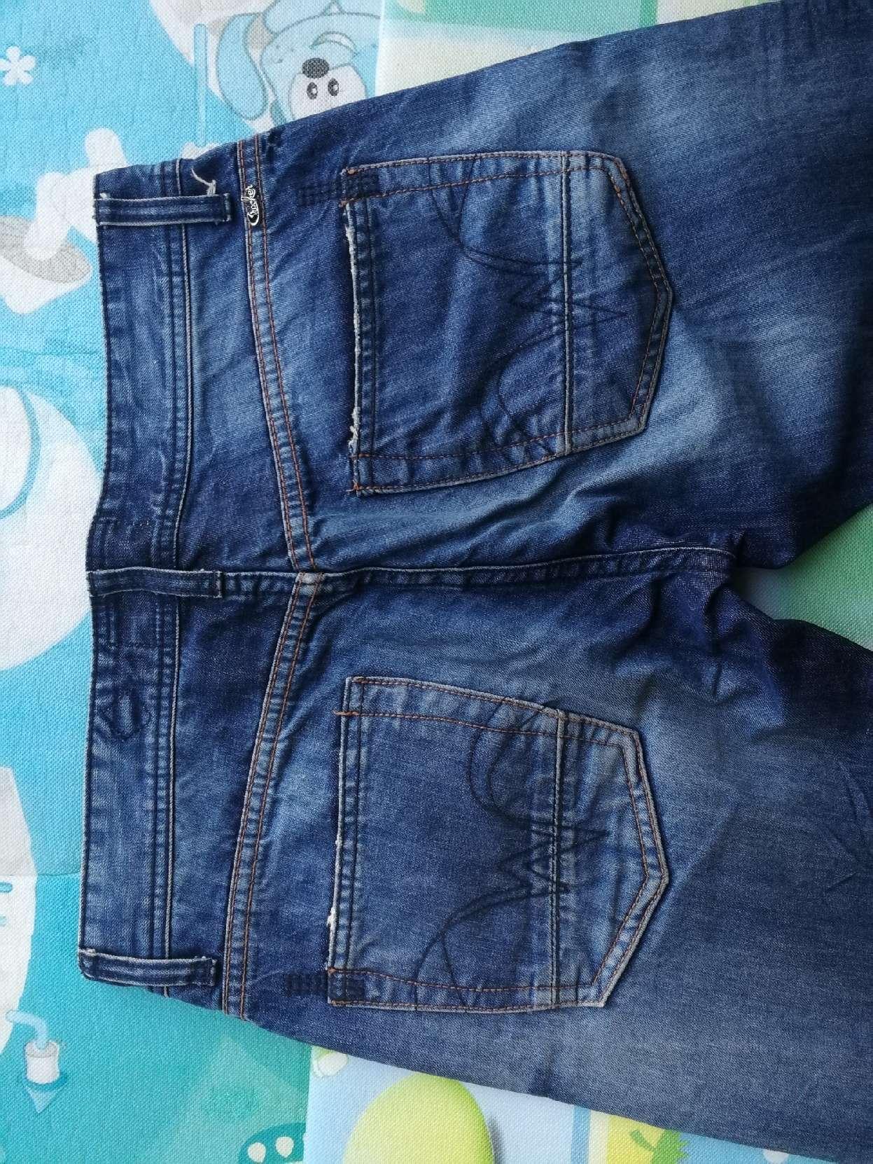 八成新男士牛仔裤,腰围84裤长112,直筒大腿围较瘦,适合大