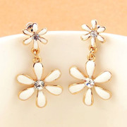 9.9 post Korea Korean cute flower stud earring rhinestone jewelry fashion pendants Daisy earrings woman