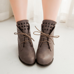 Europe and the new Martin boots, short tube coarse personality and nude women strap rivet boots with comfort leisure boots tide boots women