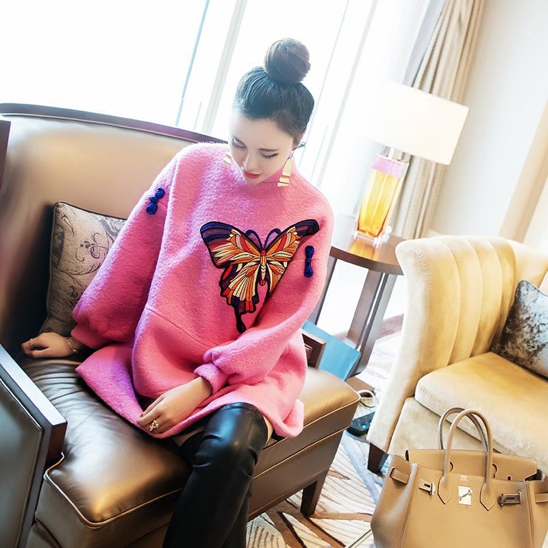 新年女装名媛气质2018冬季新款显瘦毛呢粉色刺绣