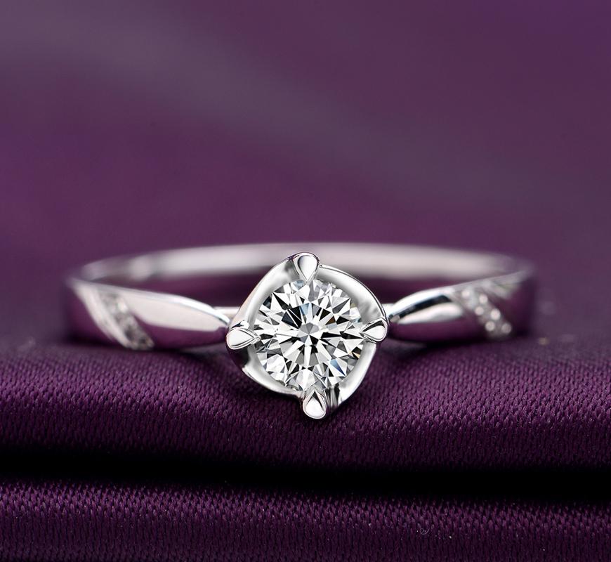 18K金白金铂金四爪钻石戒指男女结婚求婚钻戒对戒一克拉专柜正品