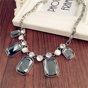 Love elegant aristocratic temperament clavicle chain Korea short necklace accessories women accessories pendant necklaces-mail