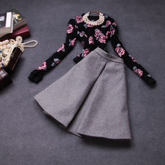 Autumn/winter 2014 temperament of new European and American fashion big flower fashion Lady two-piece woollen skirt suits #