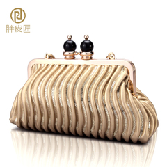 Fat Cobblers 2015 new bride cosmetic bag clutch bag evening bag night club packages wedding baodan shoulder bag clip package