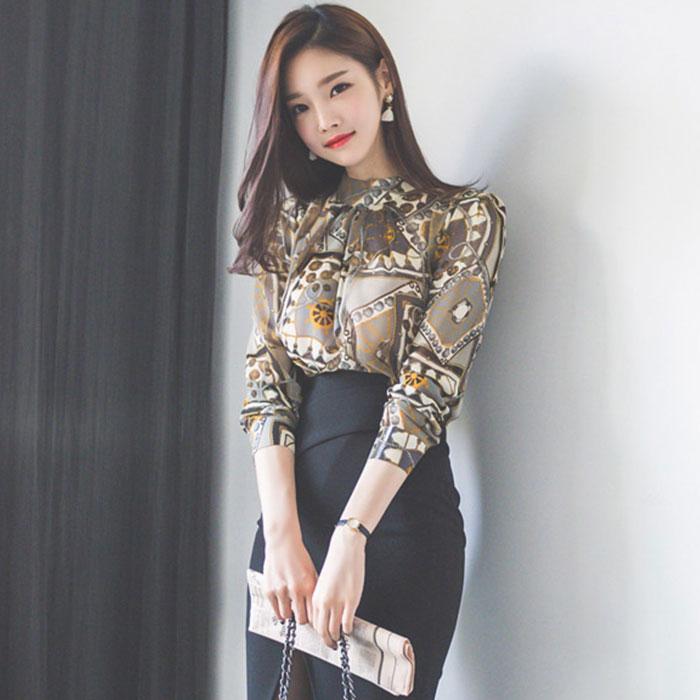 764 2020春装新款韩版通勤职业上衣印花圆领修身显瘦气质名媛衬衫 -