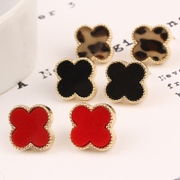 Cool na Korean jewelry four-leaf clover flower love triangle Stud heart earrings 2171