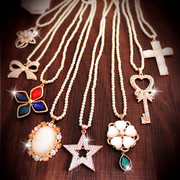 Korean version of the Pearl Necklace for fashion Flash drilling accessories Joker bows Flower necklace long necklace women