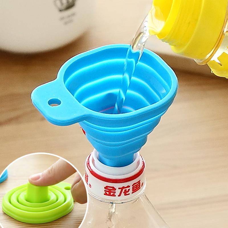 日本KM正品 可折叠硅胶漏斗厨房调料酒壶酒水浴室洗液盛装小工具