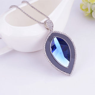 Love the Korean version of elegant blue vintage sweater chain long necklace pendant fashion wild woman