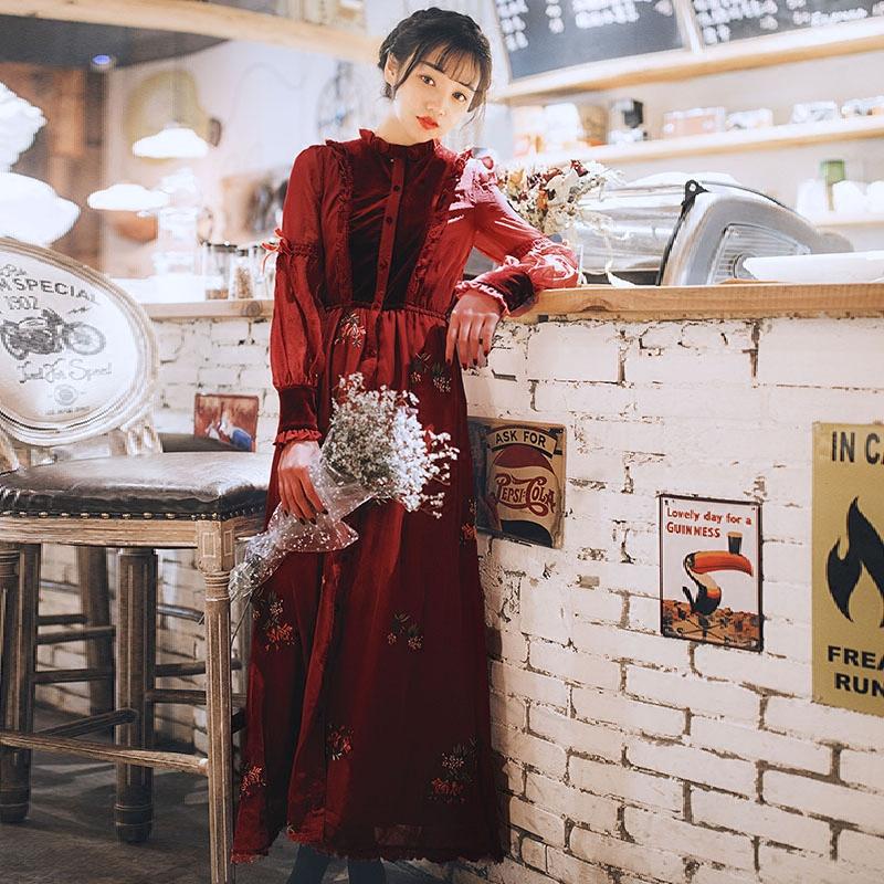 2018新款女装春装绣花雪纺连衣裙学生甜美气质修身海边度假长裙
