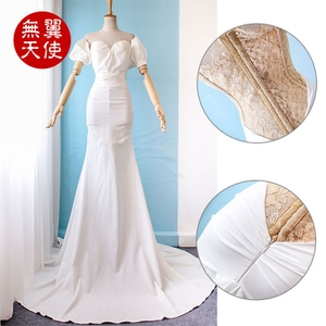 New wedding gown dress corsets Bride family trailing wedding couple photography art photos