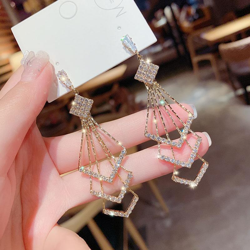 韩国时尚高级感长款镶钻流苏耳环2021年新款潮气质网红银针耳饰女