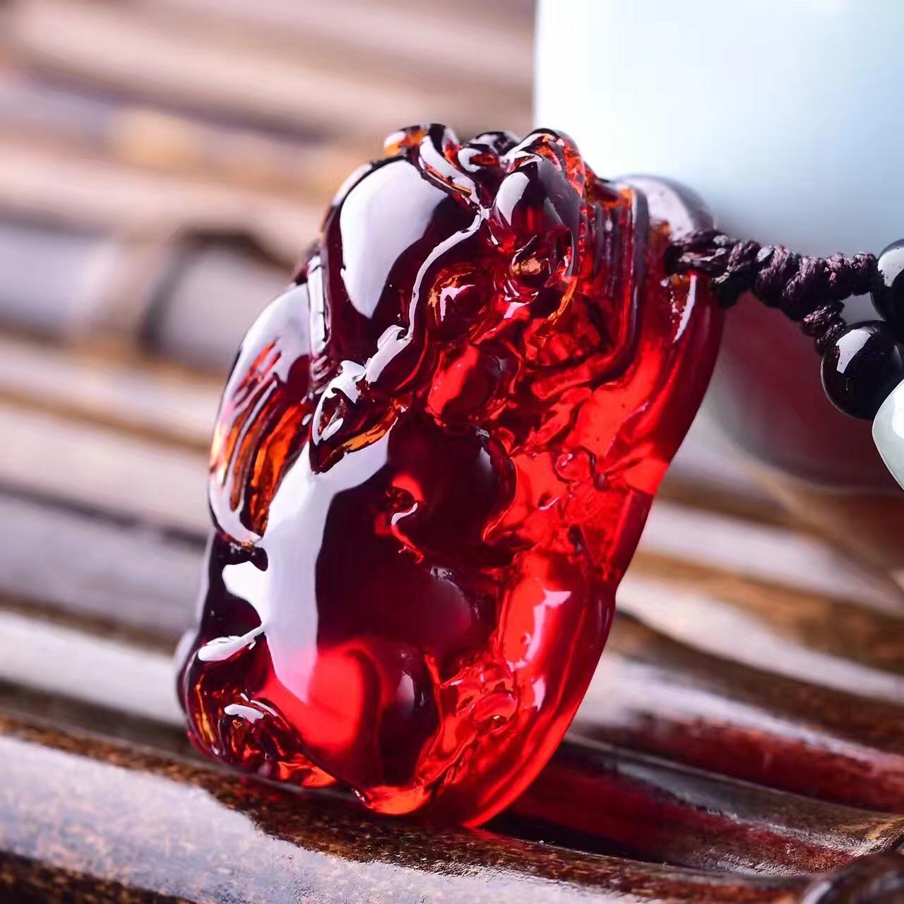 天然精品缅甸琥珀蓝珀血珀貔貅吊坠 蜜蜡原石毛衣链项链男女款