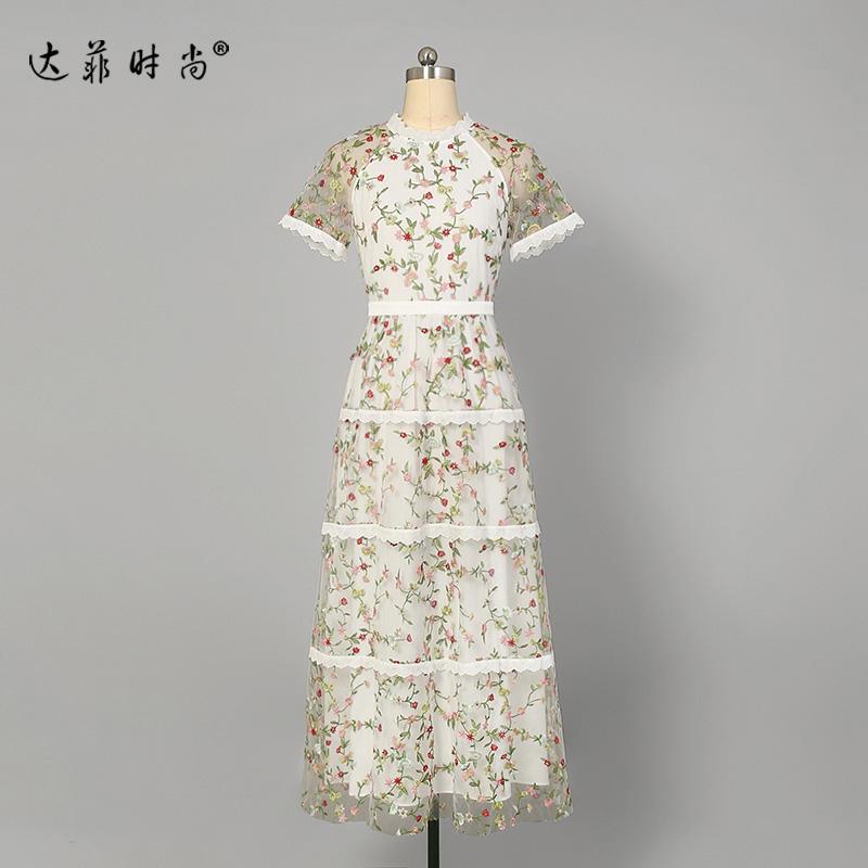 蕾丝复古长裙气质刺绣裙子短袖显瘦中长款连衣裙女装夏装2019新款