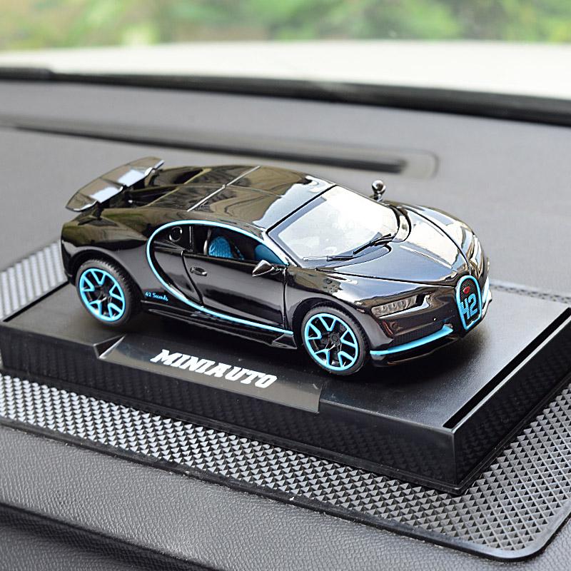 奔驰G65金属汽车摆件创意跑车布加迪莱肯ae86车内饰品沸石香水男