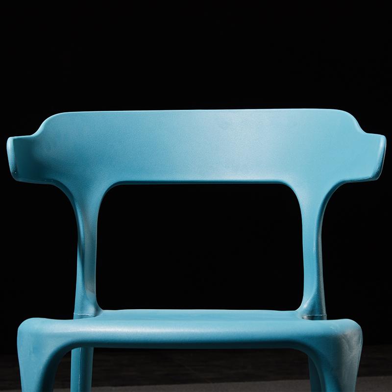 北欧椅子简约凳子靠背餐椅家用塑料牛角椅加厚塑胶椅子大人经济型